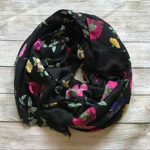 NWT Old Navy Oblong Black Scarf with Flowers